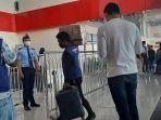 bandara-syukuran-aminuddin-amir-luwuk-dipadati-penumpang.jpg