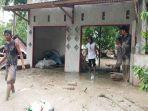banjir-lumpur-di-desa-poi.jpg