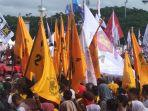 bendera-partai-golkar-berkibar-saat-kampanye-prabowo-subianto.jpg