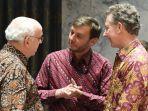 delegasi-peserta-pertemuan-dk-pbb-di-new-york-selasa-752019-mengenakan-batik.jpg