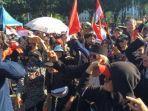 demo-banjir-jakarta.jpg