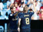 dua-pemain-real-madrid-sergio-ramos-dan-toni-kroos-merayakan-gol.jpg