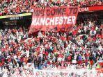 dukungan-yang-diberikan-suporter-manchester-united.jpg