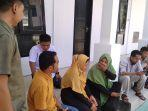 fitria-ibu-alm-qidam-jilbab-kuning-bersama-tim-pengacara-muslim-tpm.jpg