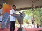 gubernur-sulawesi-tengah-rusdi-mastura-saat-memberikan-sambutan-di-peresmian-huntap-kampung-asean.jpg