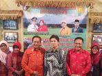 gubernur-sulteng-h-longki-djanggola-bersama-rombongan-saat-mengunjungi-sulteng-expo.jpg