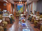gubernur-sulteng-memimpin-rapat-penanganan-covid-19.jpg