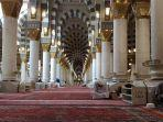 ilustrasi-itikaf-di-masjid.jpg