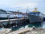 kapal-terparkir-di-dermaga-pelabuhan-rakyat-luwuk.jpg