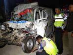 kecelakaan-ambulans-vs-truk.jpg