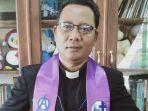 ketua-sinode-gereja-kristen-sulawesi-tengah-gkst-pdt-jetroson-rense.jpg