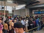 kondisi-stasiun-depok-yang-dipadati-penumpang-kereta-rel-listrik-krl.jpg