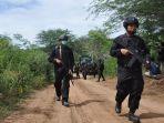 mujahidin-indonesia-timur-mit-pimpinan-ali-kalora-di-poso-sulawesi-tengah.jpg