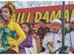 para-murid-beragama-islam-katolik-protestan-hindu-berpakaian-khas-agama-masing-masing.jpg