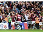 para-pemain-aston-villa-merayakan-gol-yang-dicetak-ke-gawang-derby-county-dalam-laga-final-play-off.jpg