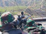 pasukan-infrantri-dari-batalyon-infrantri-yonif-711raksatama-berlatih-menembak.jpg