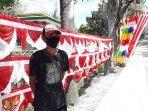 pedagang-bendera-dan-umbul-umbul-kemerdekaan-ri-di-jl-mt-haryono-luwuk.jpg