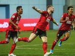 pemain-bali-united-merayakan-gol-lawan-tampine-rovers-selasa-1412020.jpg