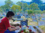 pemakaman-ayah-arbani-yasiz.jpg