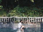 pengunjung-wisata-alam-air-panas-mantikole-minggu-1722019.jpg