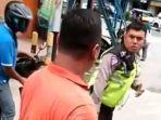 polisi-berhentikan-ambulans-karena-suara-sirine-di-tebing-tinggi-sumut.jpg