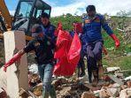 proses-evakuasi-korban-likuifaksi-di-kelurahan-petobo-kecamatan-palu-selatan.jpg