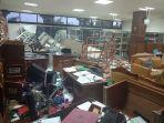 ruangan-perpustakaan-dprd-sumbar-yang-dirusak-massa-saat-demo-anarkis-rabu-2592019-kemarin.jpg