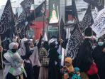 sejumlah-mahasiswa-gelar-aksi-solidaritas-bela-palestina-di-jl-sudirman.jpg