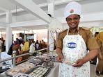 sekretaris-daerah-provinsi-sulawesi-tengah-hidayat-lamakarate-keluar-sebagai-juara-lomba-memasak.jpg