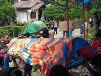 suasana-pemakaman-korban-pembunuhan-di-desa-tana-lanto-kecamatan-torue.jpg