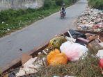 tampak-tumpukan-sampah-di-jalan-rono.jpg