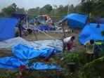 tenda-pengungsian-korban-gempa-di-majene-porak-poranda-dilanda-angin-kencang.jpg
