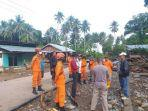 tim-sar-di-lokasi-terdampak-banjir-kabupaten-tojo-una-una.jpg