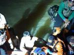 tim-sar-gabungan-sedang-mengevakuasi-siswa-tewas-tenggelam-saat-acara-susur-sungai-pramuka-mts.jpg