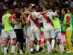timnas-peru-merayakan-keberhasilan-lolos-ke-semifinal-setelah-mengalahkan-uruguay.jpg