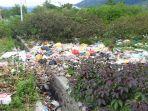 tumpukan-sampah-berbagai-jenis-limbah-rumah-tanggah-memenuhi-got-di-jl-keramik.jpg