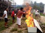 warga-di-desa-malanggong-kecamatan-buko-kabupaten-banggai-kepulauan.jpg
