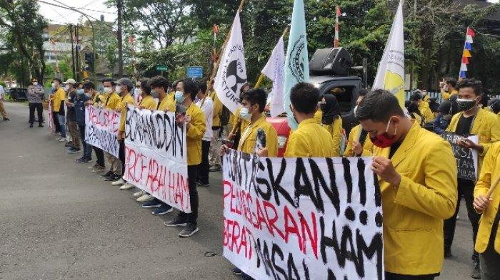 Pengukuhan Gelar Profesor ke Burhanuddin dari Unsoed Diwarnai Unjuk Rasa, Sebut Jaksa Agung Abai HAM