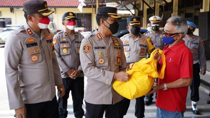 Alumni Akpol 1993 Pesat Gatra Beri Bantuan Warga Terdampak Covid-19 di Batang, Ini Sasarannya