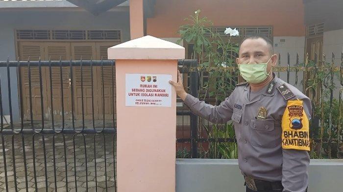 Rumah yang Digunakan Isolasi Mandiri di Pekalongan Diberi Sticker Penanda