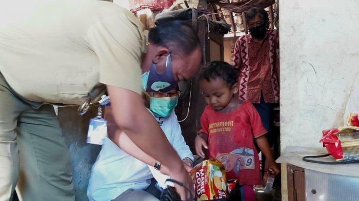 Wawali Tegal Jumadi Kunjungi VF Balita Doyan Makan Tanah: Dia  Cerdas, Bisa Komunikasi secara Baik