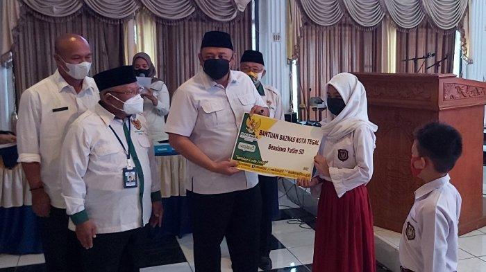 Baznas Kota Tegal Beri Beasiswa untuk 767 Siswa Yatim Tingkat SD dan SMP, Ini Rinciannya