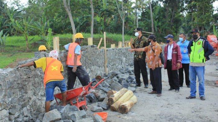 Pembangunan Jembatan Gantung Penghubung Dua Desa di Jatilawang Banyumas Dimulai