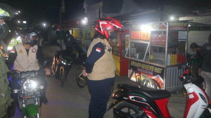 Temukan Pedagang Langgar Aturan dan Kerumunan saat PPKM Darurat di Tegal, Dedy Yon Lakukan Ini