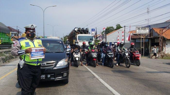 Pengendara di Tegal Kompak Menghentikan Laju Kendaraan Sesaat, Hormati Detik-detik Proklamasi