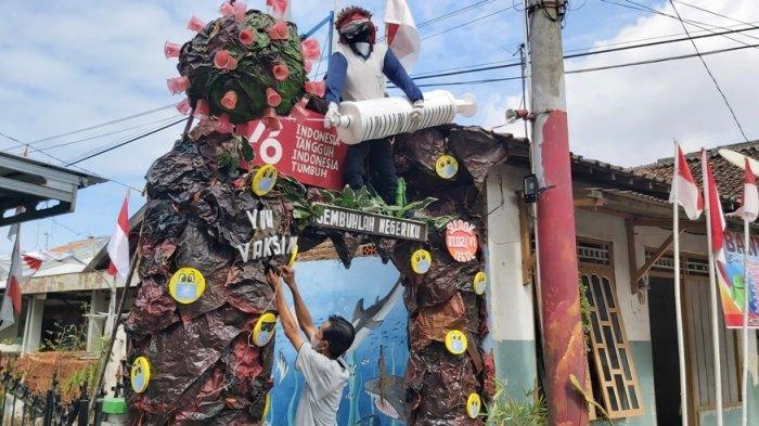 Kreatif, Warga Slerok Tegal Bikin Gapura 'Yuk Vaksin' Sambut HUT Kemerdekaan ke-76 RI