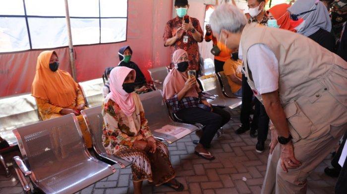 Gubernur Ganjar Pranowo Target Vaksinasi Warga di Karimunjawa Selesai Tiga Hari