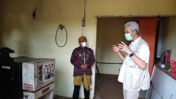 Ganjar Temukan Ratusan Baterai Mati di Pembangkit Listrik Tenaga Surya di Karimunjawa