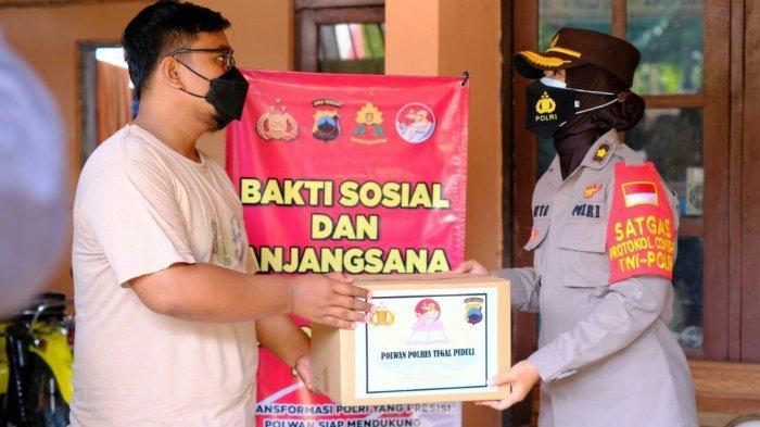 Peringati HUT ke-76, Polwa Polres Tegal Berikan Bansos untuk Dua Eks Napi Terorisme di Slawi
