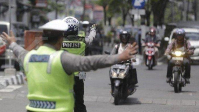 Mengapa Polisi Tilang Kendaraan Bermotor yang Mati Pajak? Begini Penjelasannya
